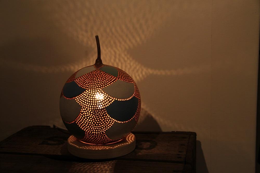 Staande kalebas lamp